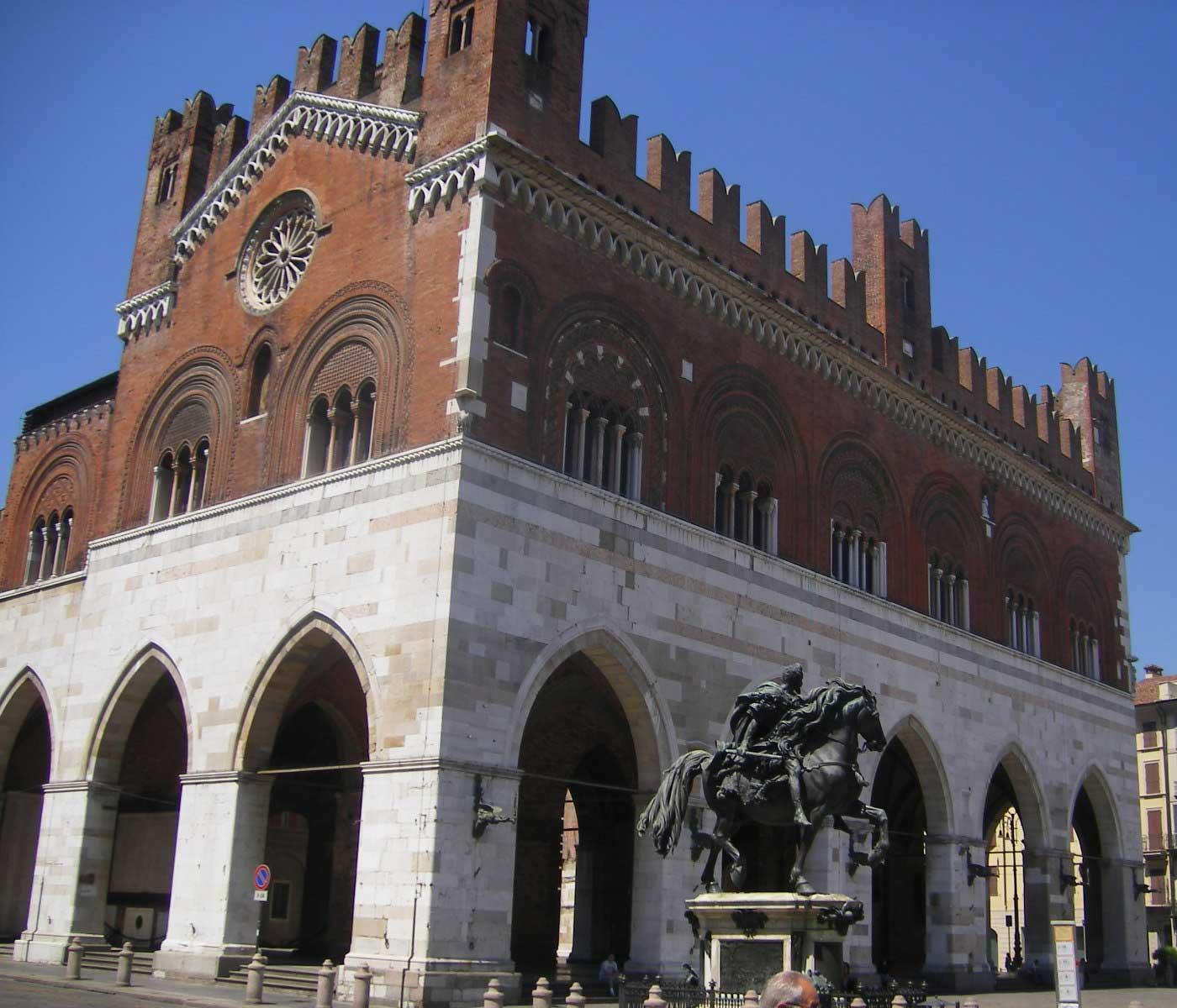 Centro Commerciale Di Piacenza Centro Commerciale Di